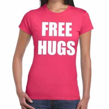 Free hugs tekst t shirt roze dames