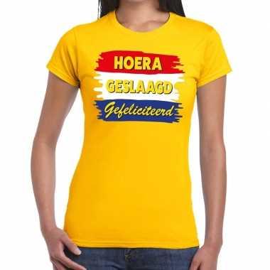 Hoera geslaagd gefeliciteerd t shirt geel dames