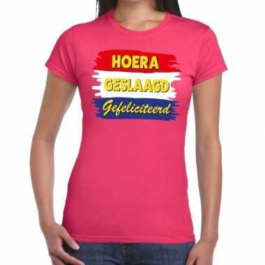 Hoera geslaagd gefeliciteerd t shirt roze dames