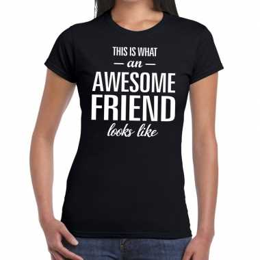 Kado/bedankt shirt awesome friend dames