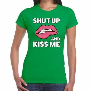 Shut up and kiss me t shirt groen dames