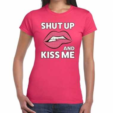 Shut up and kiss me t shirt roze dames