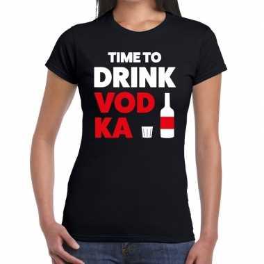 Time to drink vodka tekst t shirt zwart dames