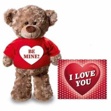 Valentijn valentijnskaart knuffelbeer 24 be mine rood shirt