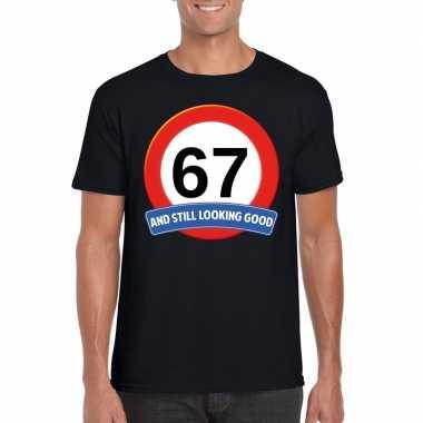 Verkeersbord 67 jaar t shirt zwart heren
