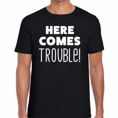Zwart t shirt here comes trouble bedrukking heren