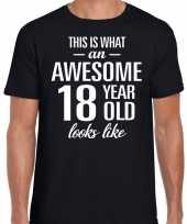 Awesome 18 year 18 jaar cadeau t-shirt zwart heren