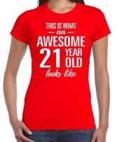 Awesome 21 year 21 jaar cadeau t-shirt rood dames