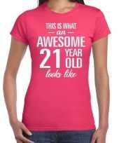 Awesome 21 year 21 jaar cadeau t-shirt roze dames