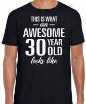 Awesome 30 year 30 jaar cadeau t-shirt zwart heren