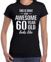 Awesome 60 year 60 jaar cadeau t-shirt zwart dames