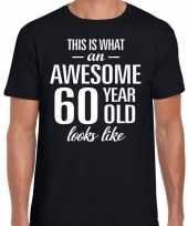 Awesome 60 year 60 jaar cadeau t-shirt zwart heren