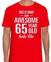Awesome 65 year 65 jaar cadeau t-shirt rood heren