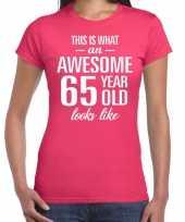 Awesome 65 year 65 jaar cadeau t-shirt roze dames