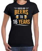 Cheers and beers 16 jaar verjaardag cadeau t-shirt zwart dames